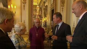 David Cameron talking to the Queen ahead of the Anti-Corruption Summit